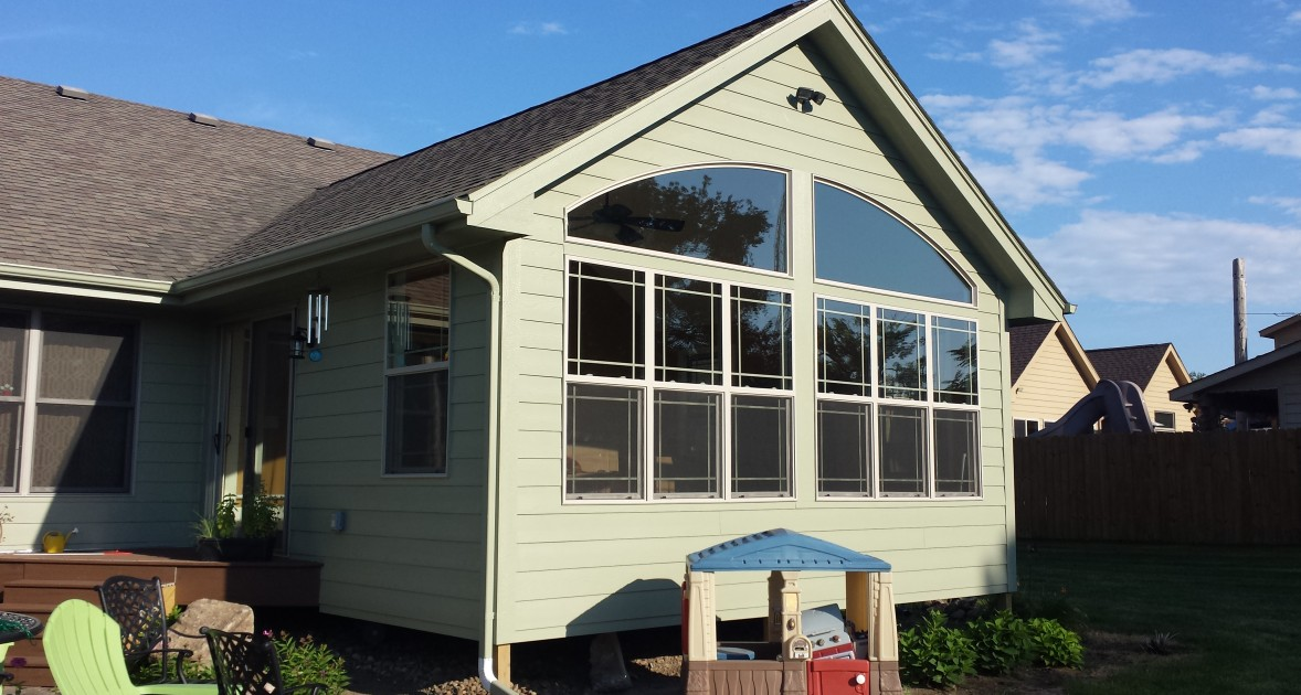sunroom contractors in Des Moines, IA